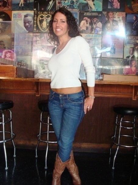 Free brunette milf pics-3736