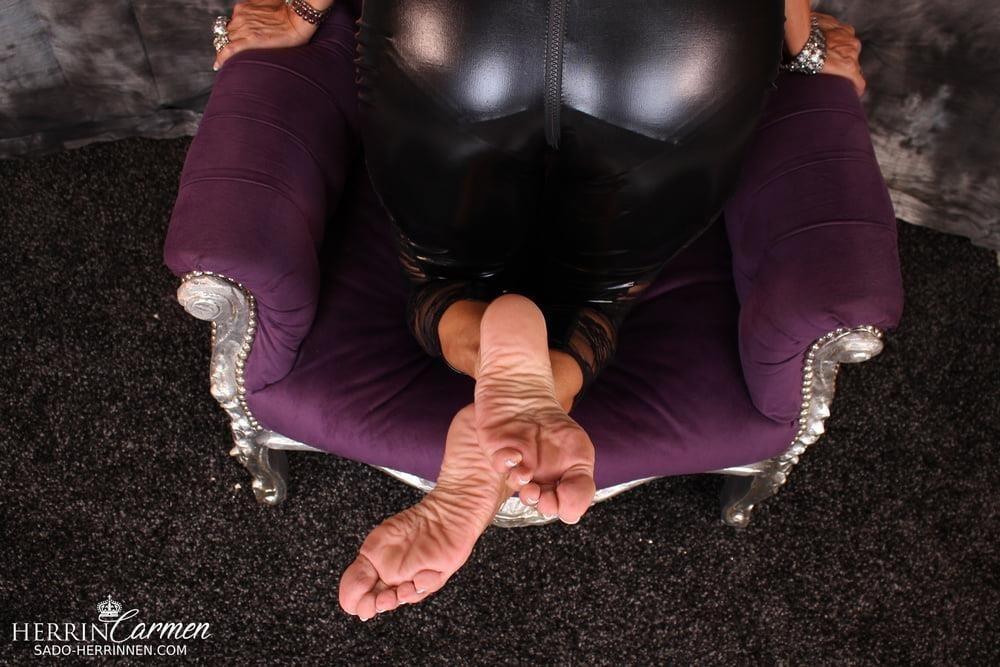 Strict foot mistress-8078