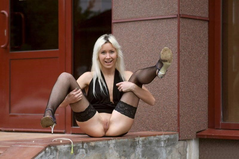 Russian blonde girl porn-2477