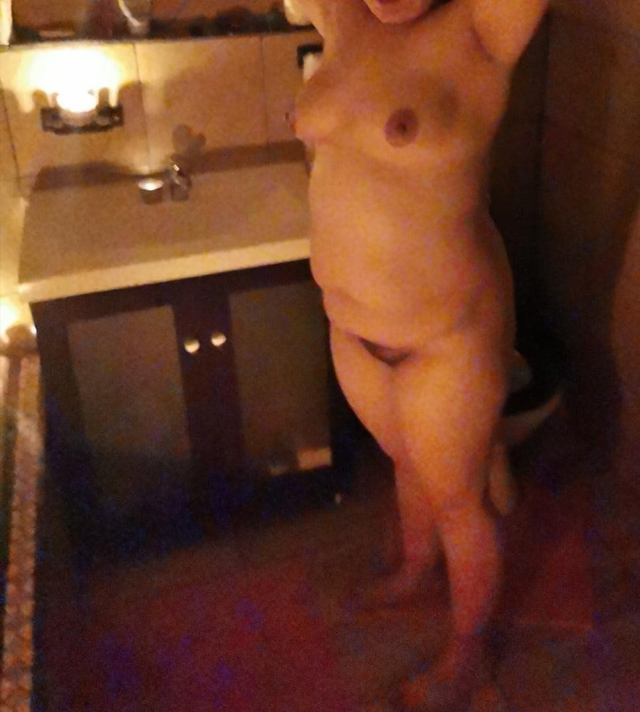 She squirts in public-2148