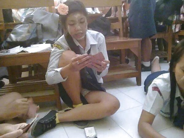 Cute asian schoolgirl-4225