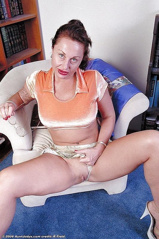 Beauty mature sex pics-2152
