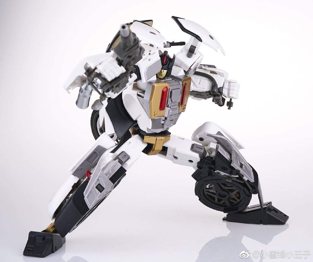 [Generation Toy] Produit Tiers - Jouet GT-08 Guardian - aka Defensor/Defenso - Page 2 8weYpfEx_o