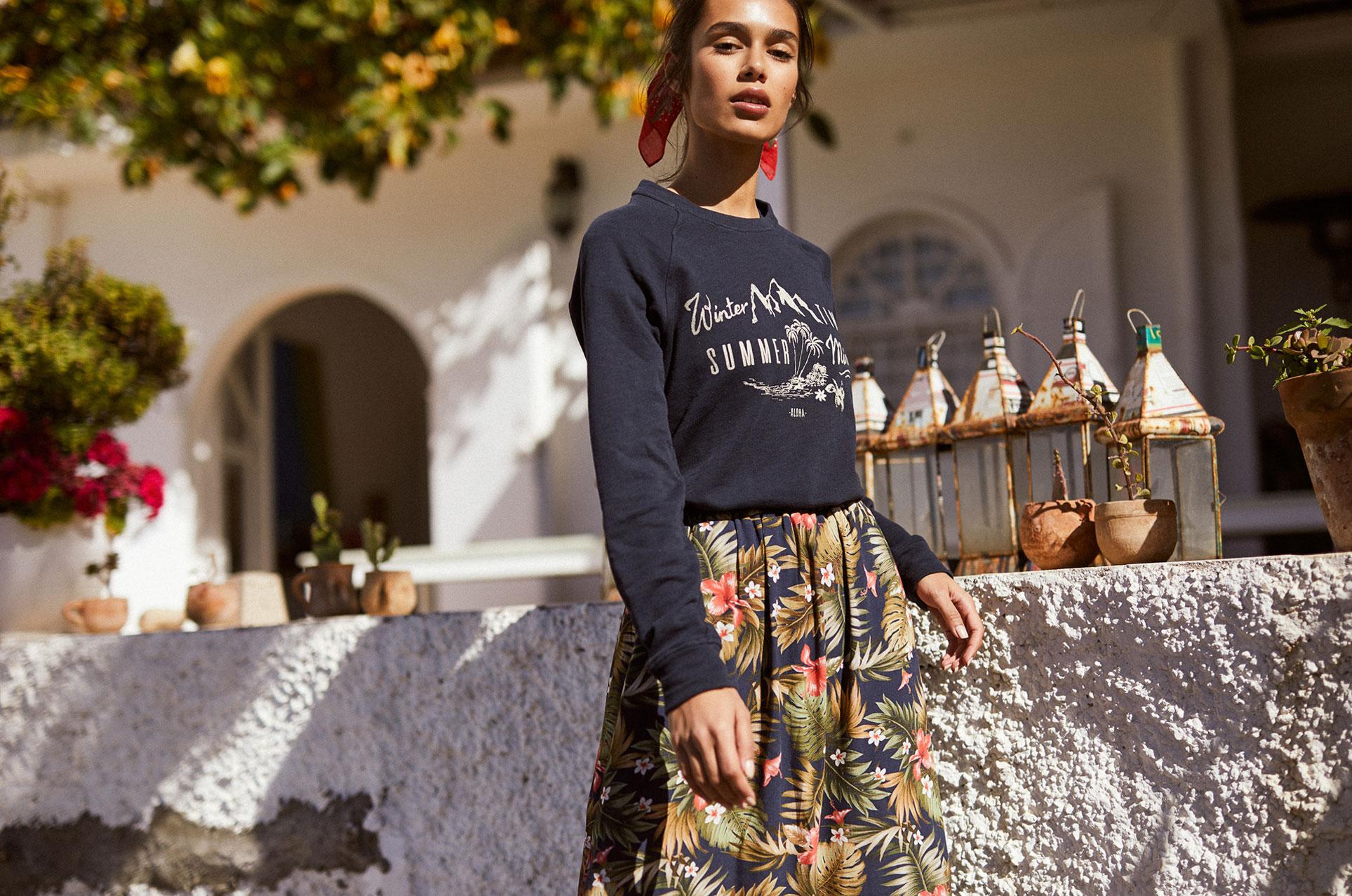 Наринэ Матецкая в модной одежде BananaMoon, коллекция осень/зима 2019/20 / фото 01