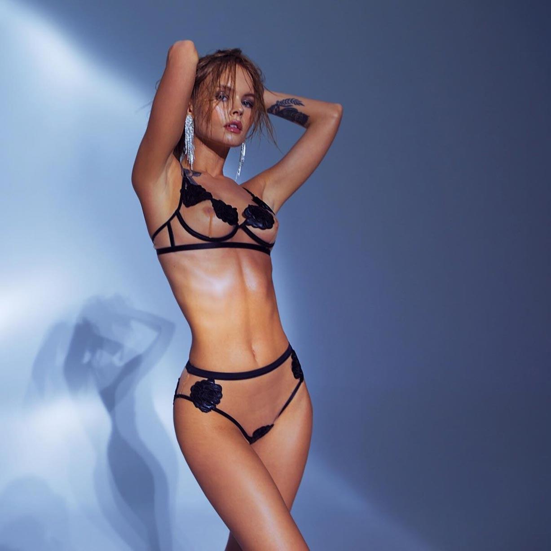 Анастасия Щеглова в сексуальном нижнем белье God Save Queen / фото 09