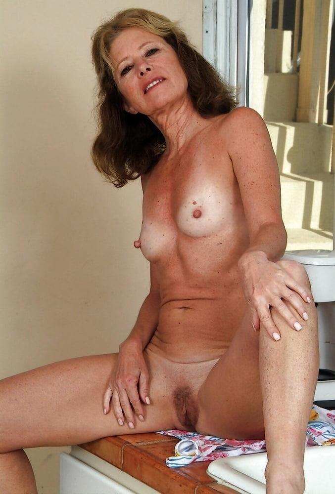 Beautiful naked women making love-2989