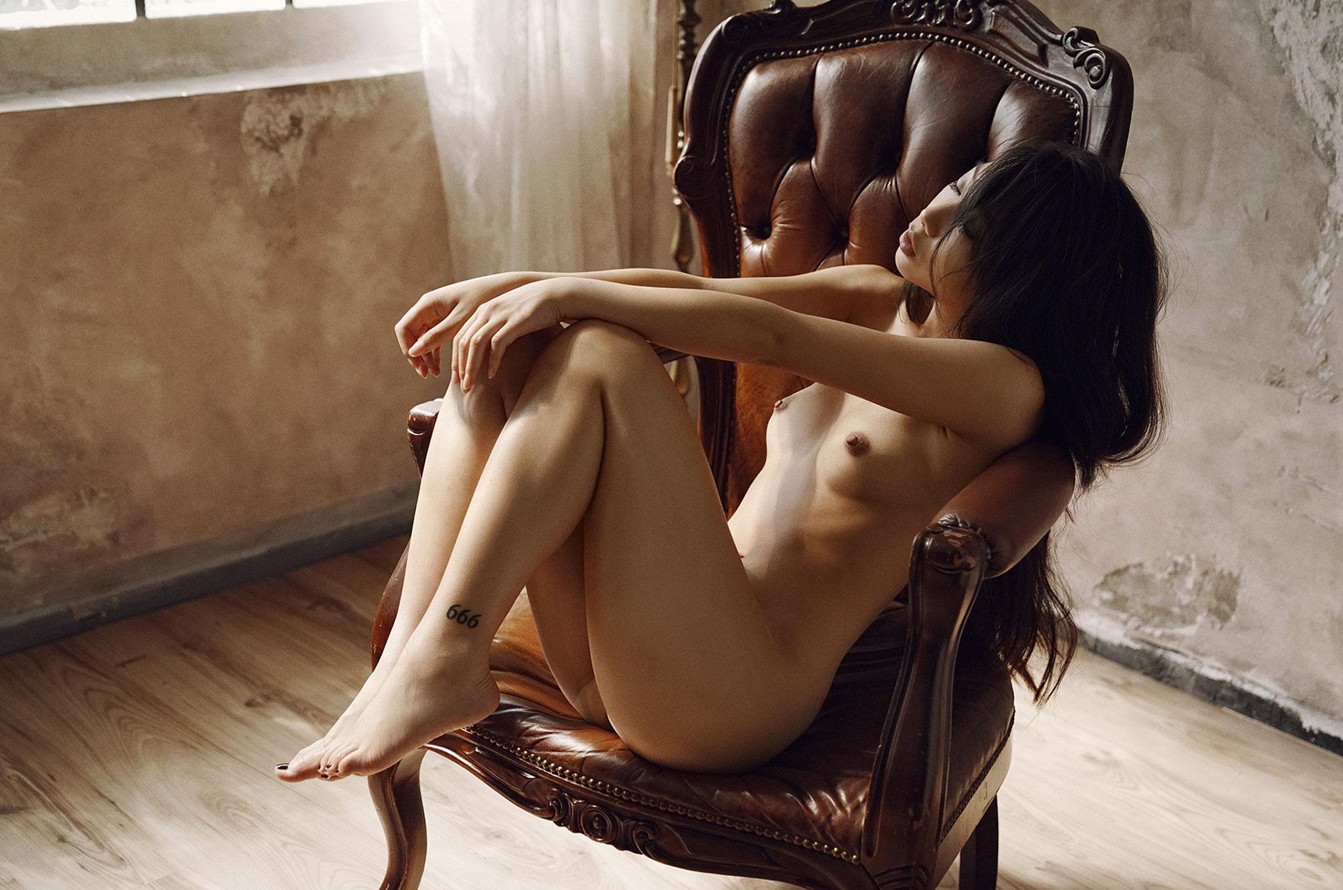 Passion girl / Kim Shinobi nude by Alex Heitz