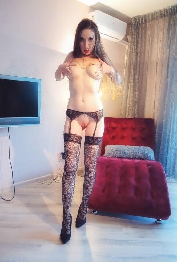 Very sexy young-2242