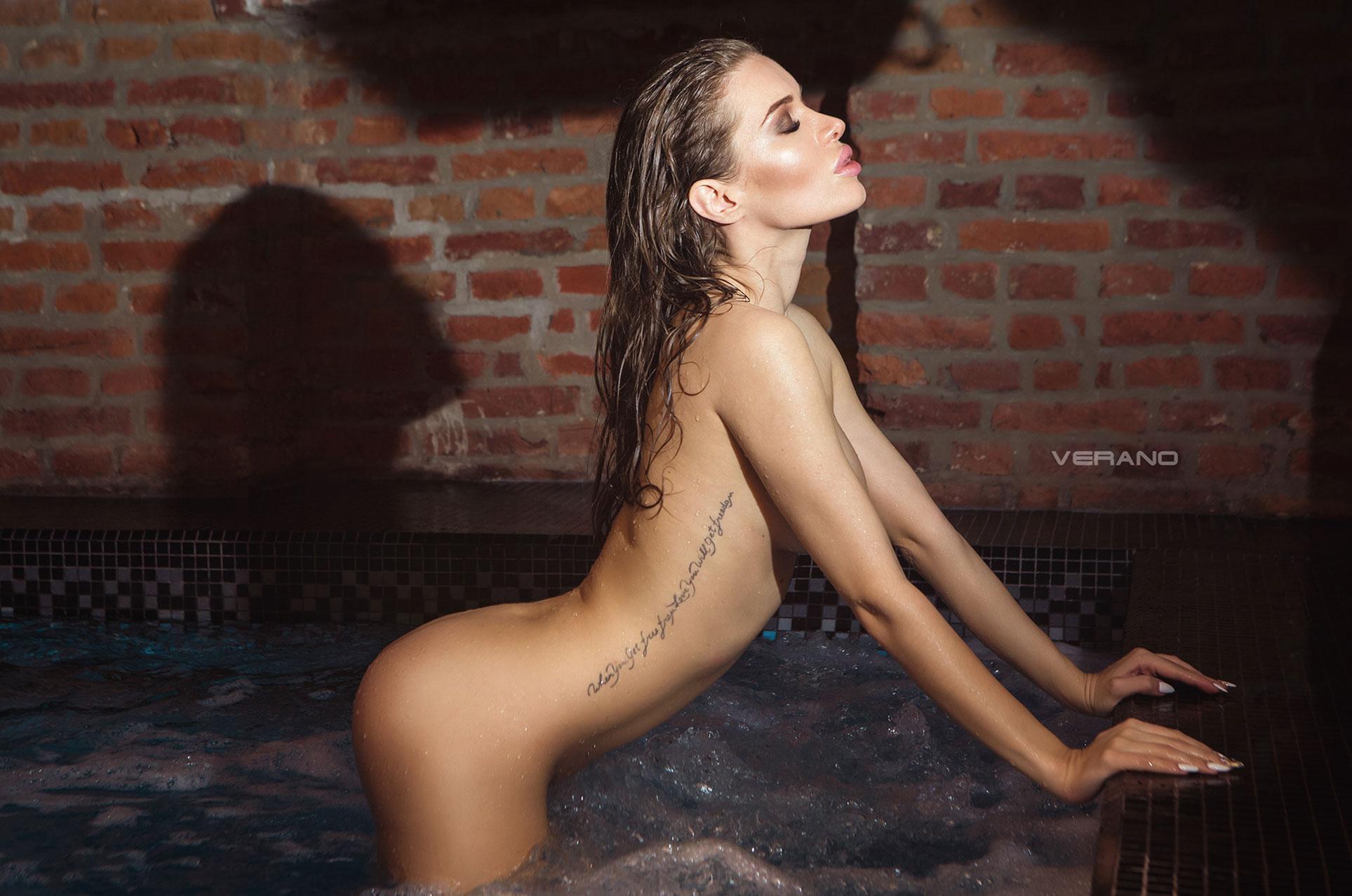 -Богиня- Алла / Alla Goddess nude in waterpool by Nikolas Verano