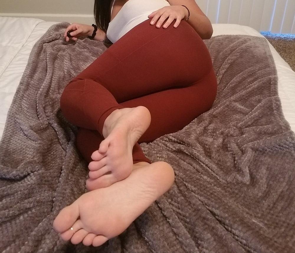 Femdom feet fetish-7776
