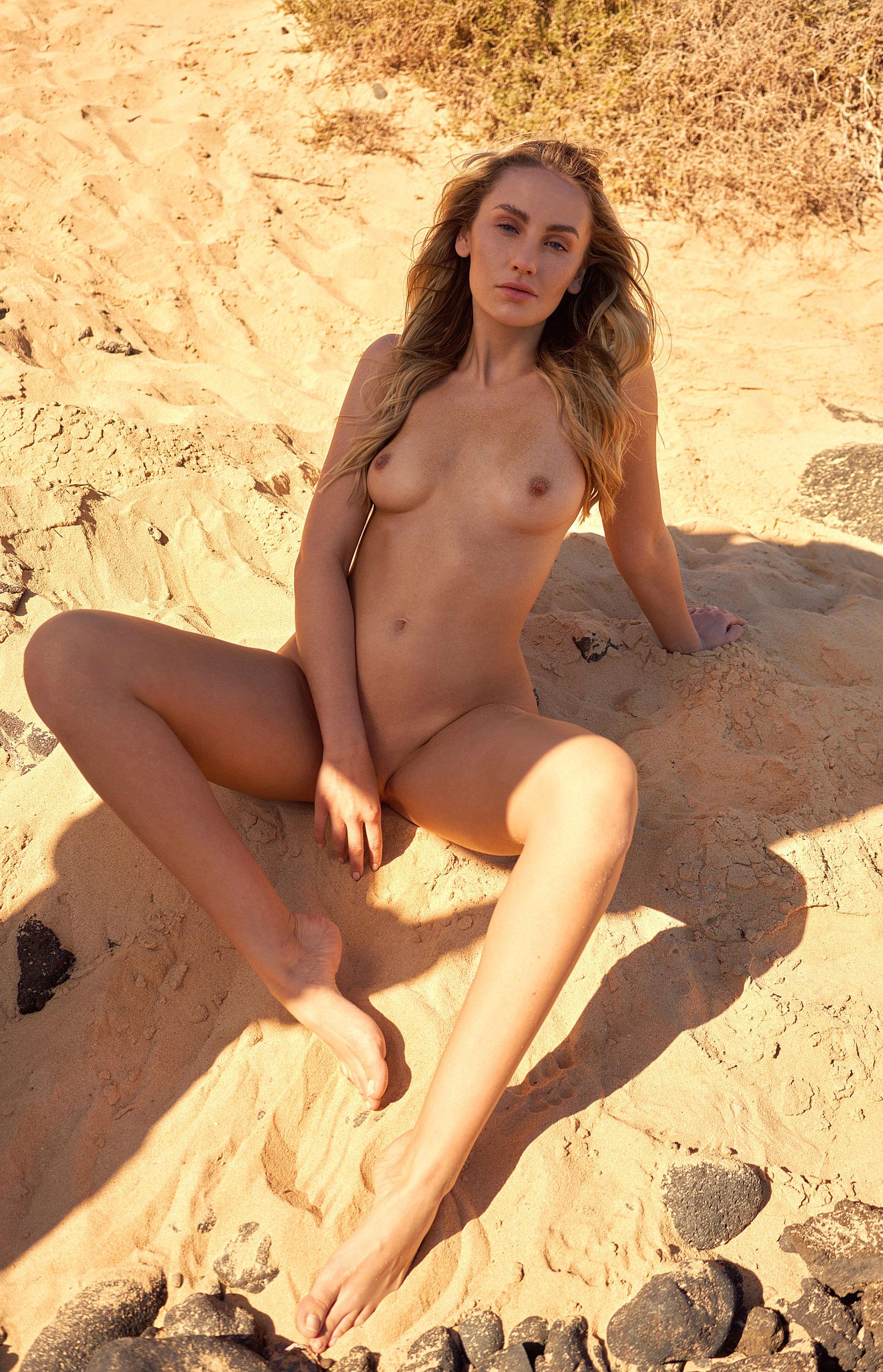 Девушка месяца немецкого Playboy Джессика Уитман / фото 27