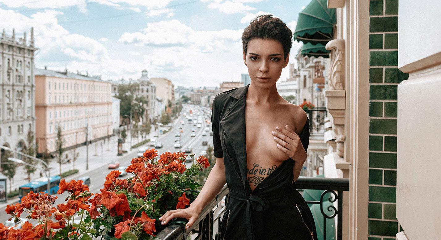 Сексуальная и почти голая Таня Фрост / фото 01