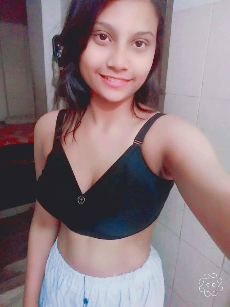 Naked school girl selfie-7912