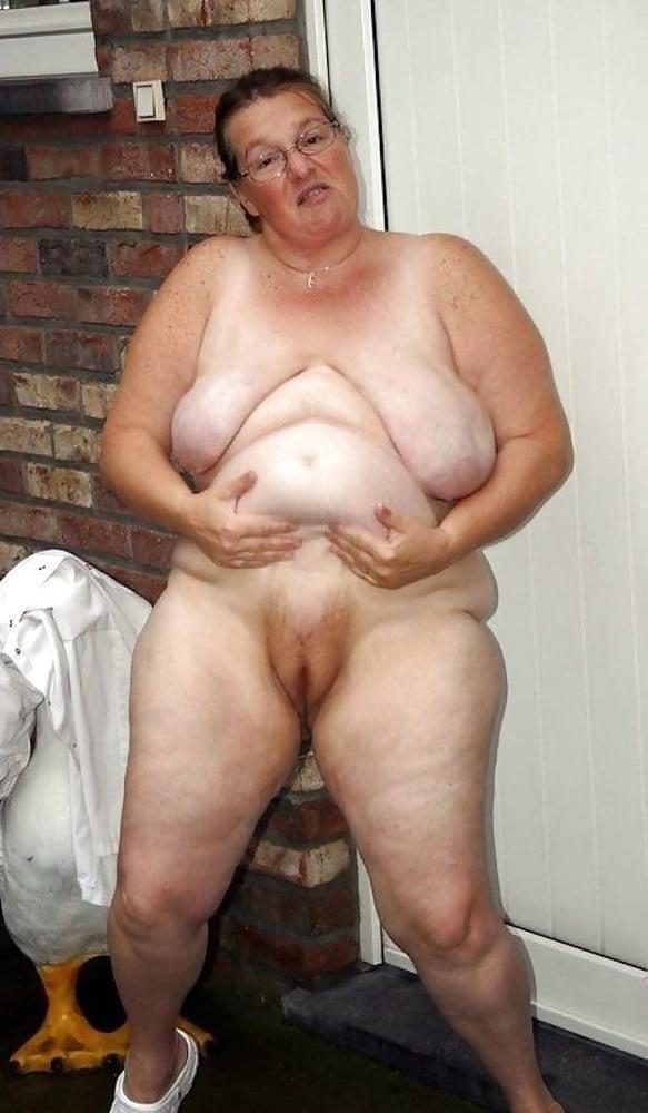 Naked older white women-9119