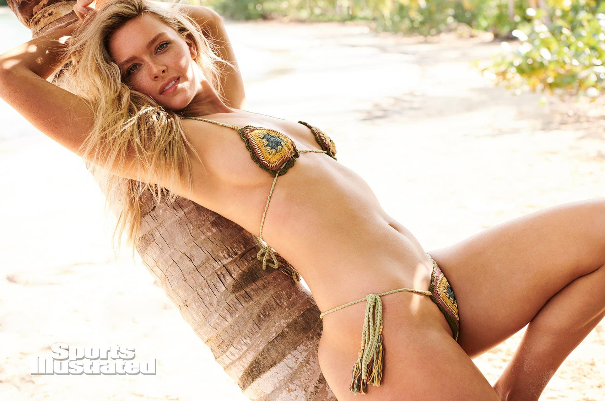 Камилла Костек в каталоге купальников Sports Illustrated Swimsuit 2020 / фото 05