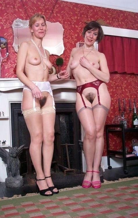 Nude mature lesbians-1022