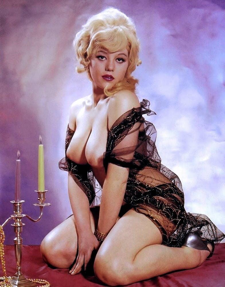 Big boobs model photo-3954