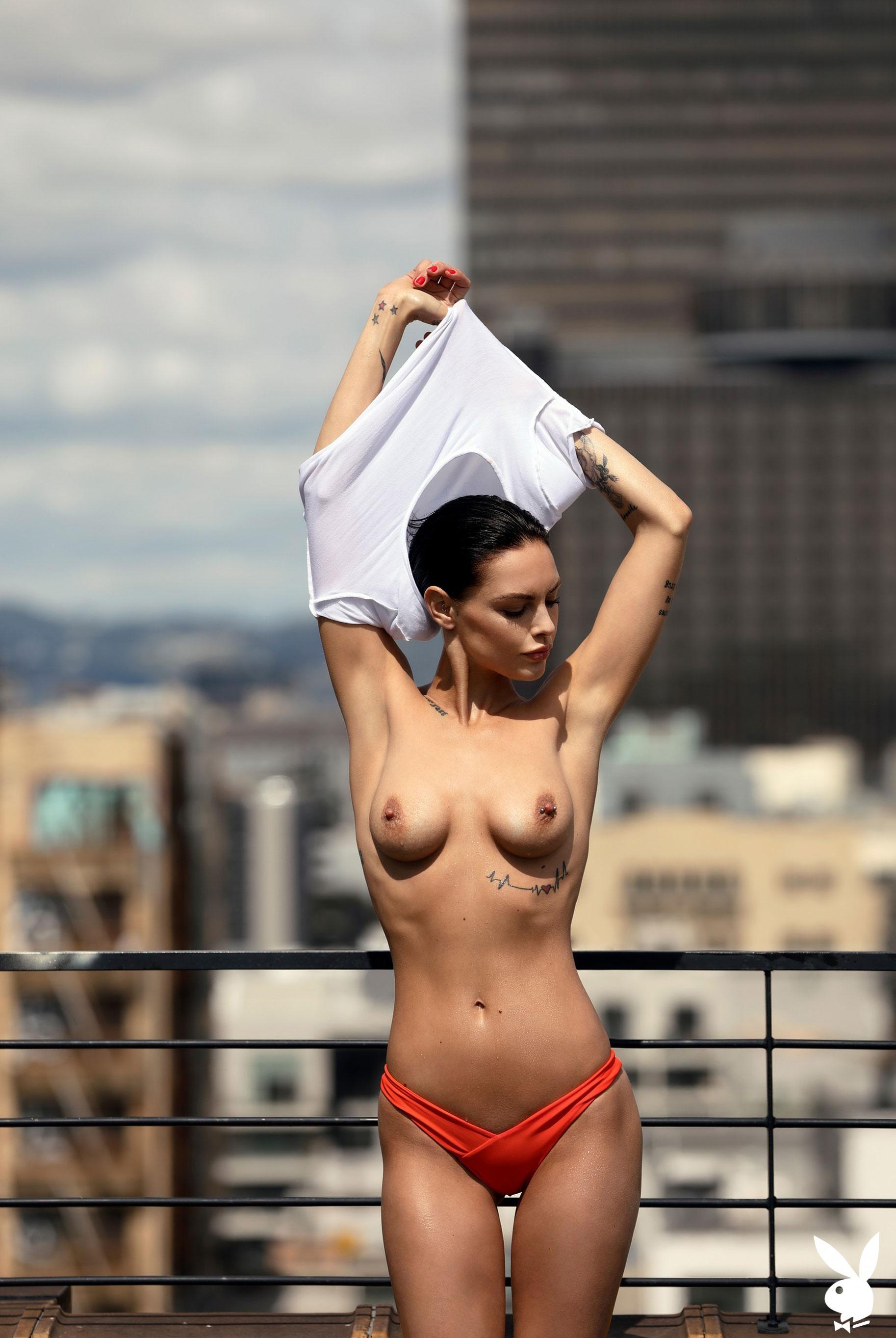 Мисс Июль 2019 американского Playboy Тила ЛаРу / фото 17