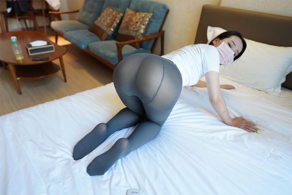 Japanese pantyhose feet-3267