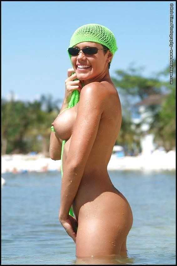 Beautiful fit naked women-2175