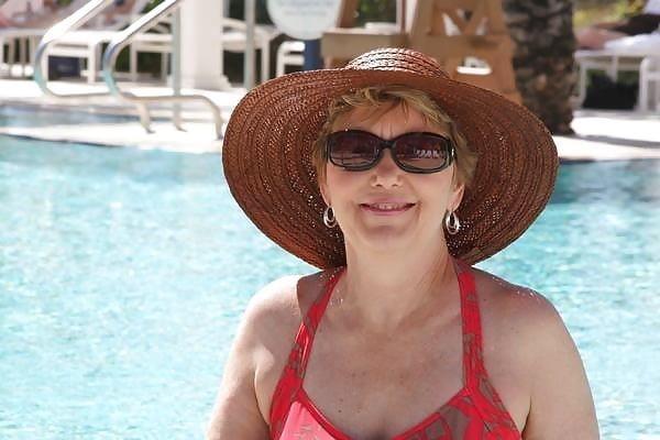 Beautiful mature women in bikinis-5689
