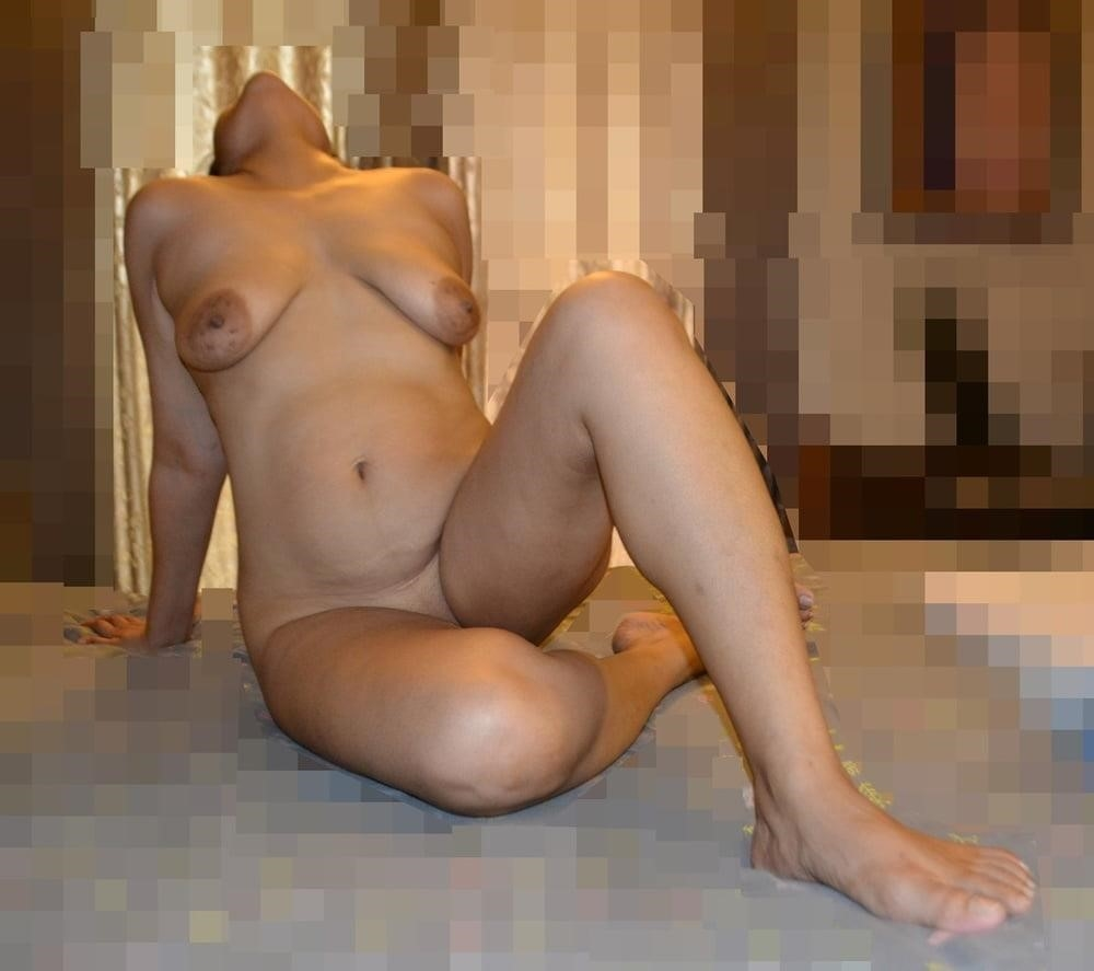 Naked lady selfie-4068