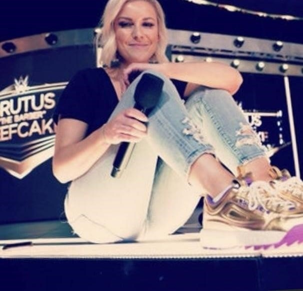 Renee young nude pictures-5689