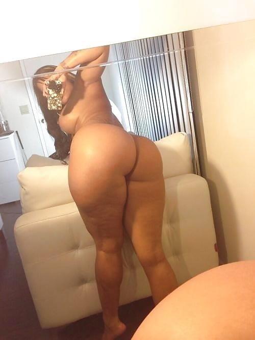 Ebony naked selfie-4246