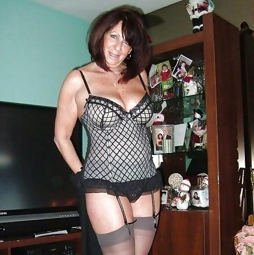 Naked mature women in stockings-6551