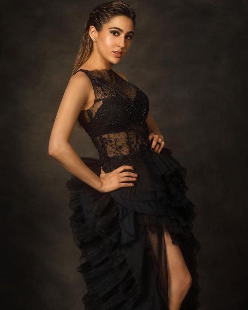 Sara khan sexy photo-3600