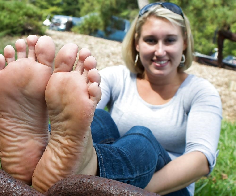 Young foot porn-4053