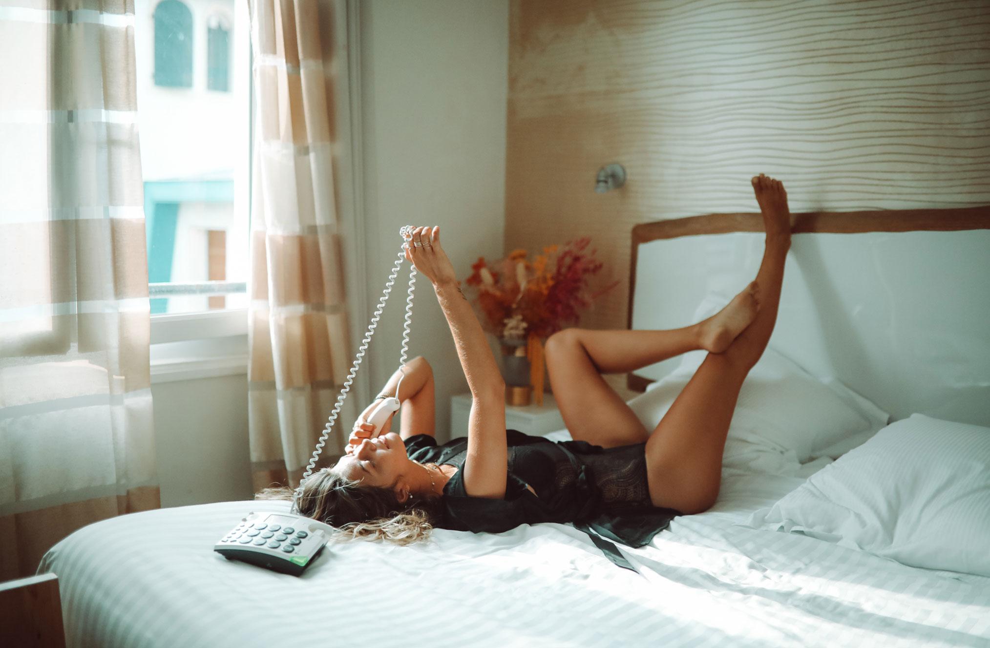 Ева Грейв в отеле Cosmopolitain в Биаррице / фото 02