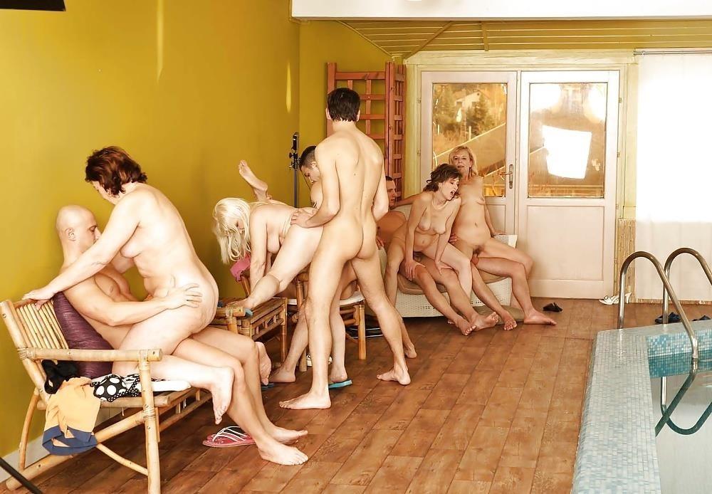 Massive female orgy-3932