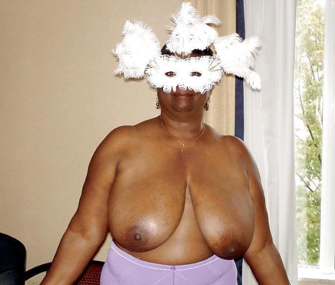 Older black hairy women-3032
