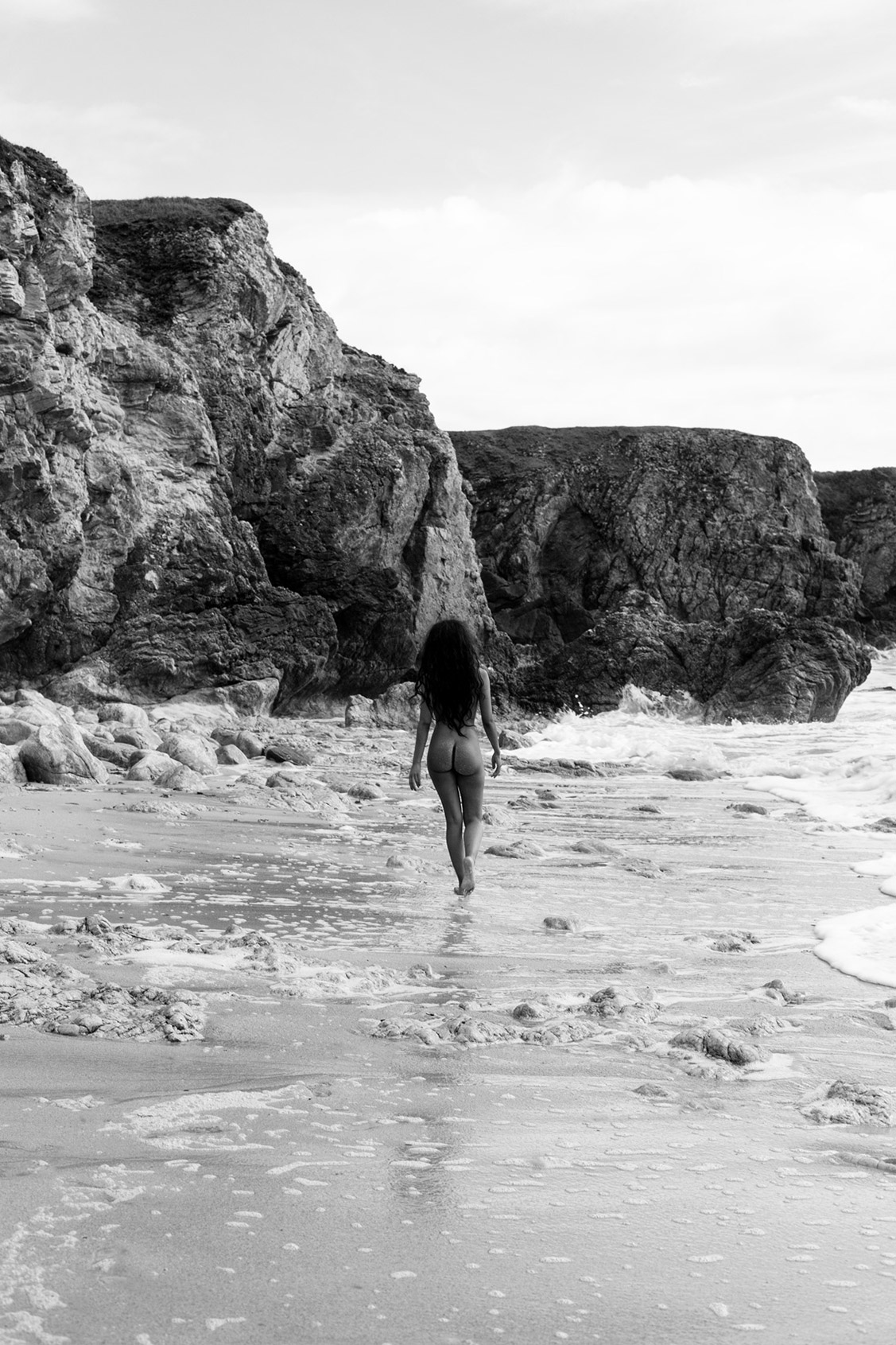 Secret Sands / Maeva Leduc nude by Arthur Hubert Legrand / Yume Magazine