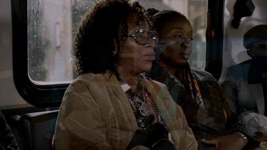 Bob Hearts Abishola S01E01 Pilot REPACK 720p AMZN WEBRip DDP5 1 x264-NTb