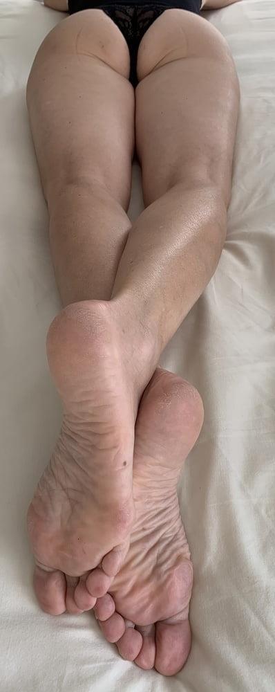 Lesbian feet bondage-9059
