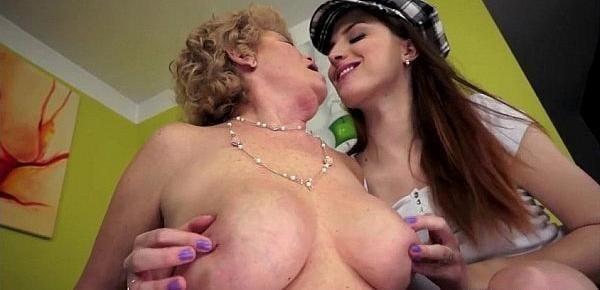 Granny lesbian sex pics-9215
