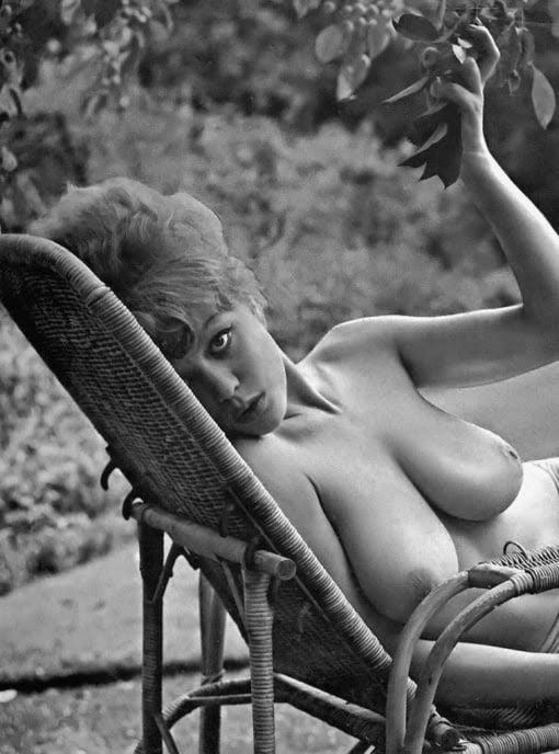 Big boobs model photo-4587