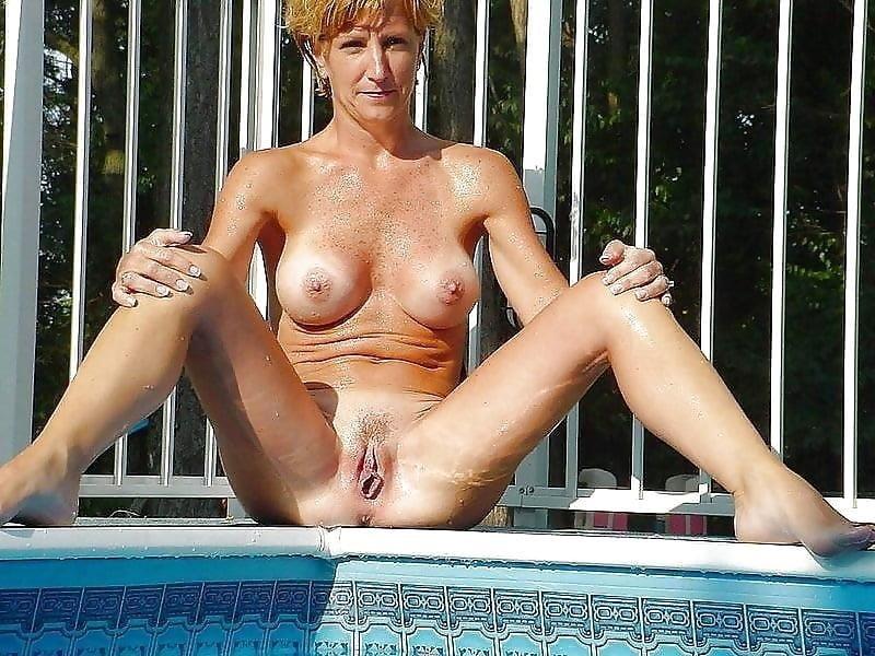 Lovely naked milfs-9933