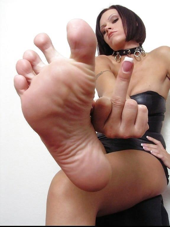 Worship my sweaty feet-8736