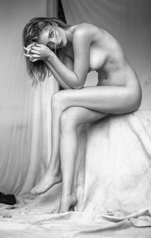 Sydney Van Til nude by Khoa Bui