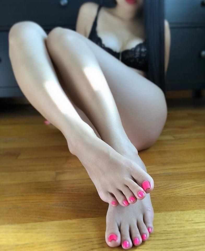 Small feet worship-4952