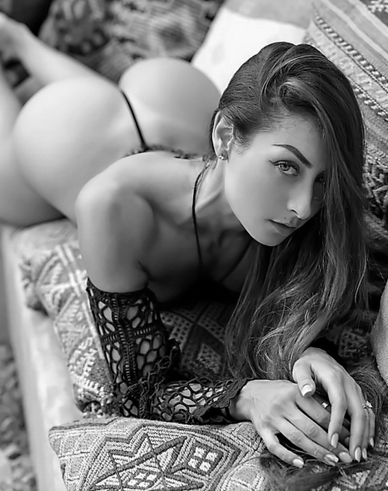 (((45))) Noir, Black Sexy and Hot Photos Gallery ➜ Hot Black and White Sexy Girls Images