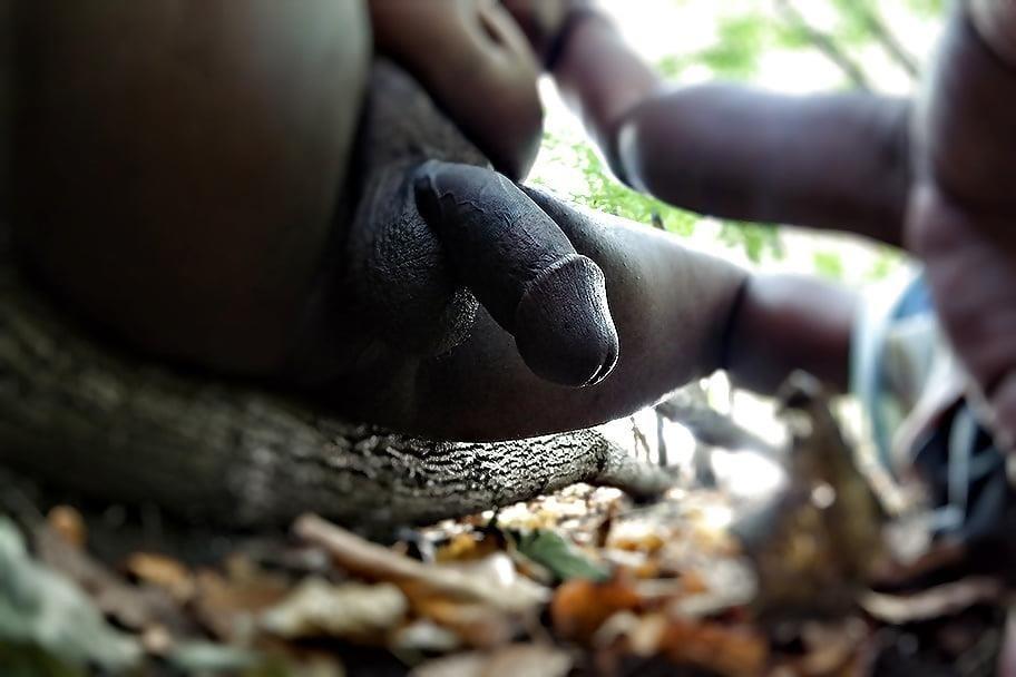 Ebony public masturbation-8516