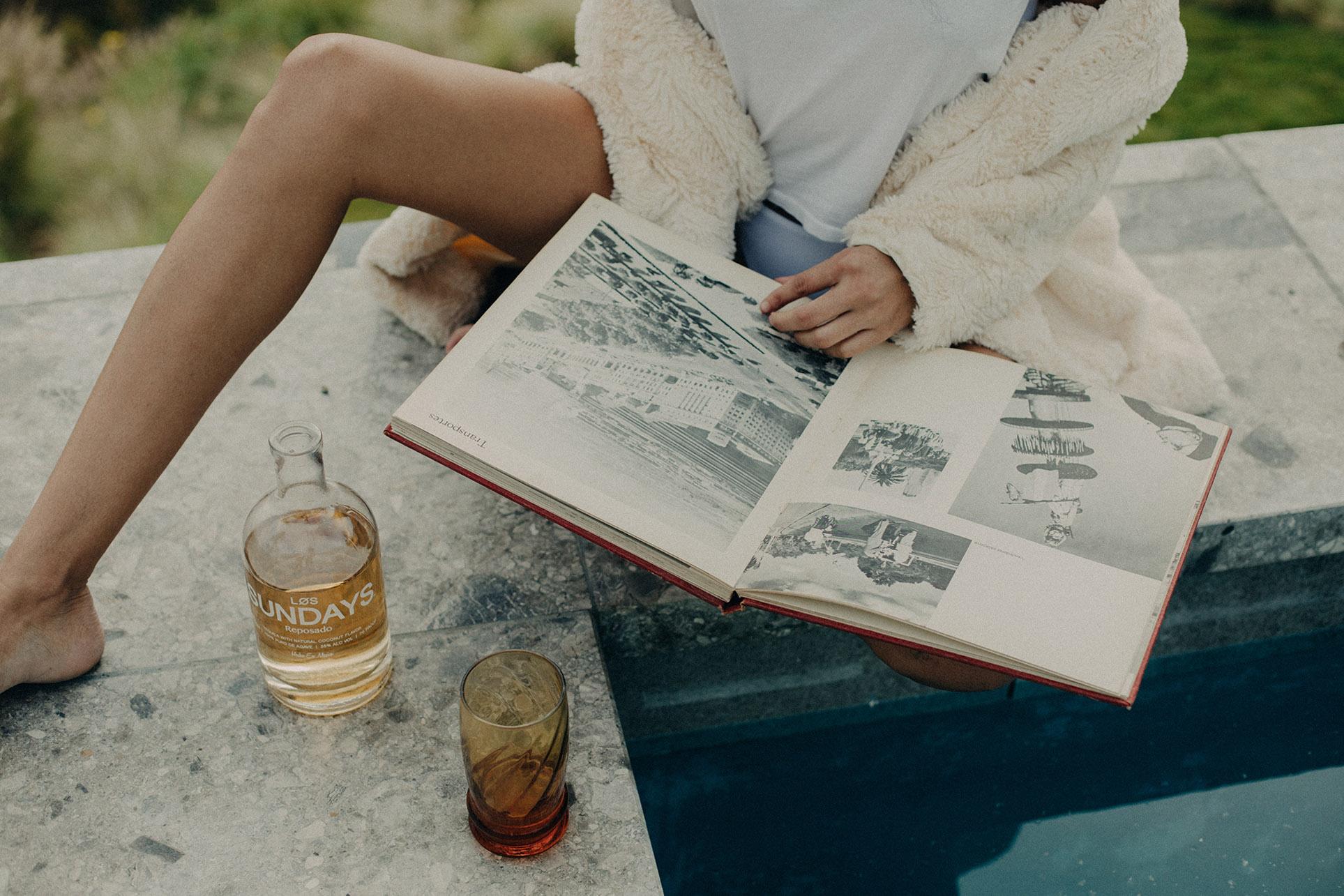 Женева Белэйр наслаждается текилой Los Sundays / фото 08