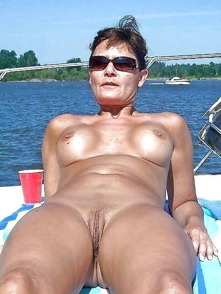 Cuckold wife in club-8742