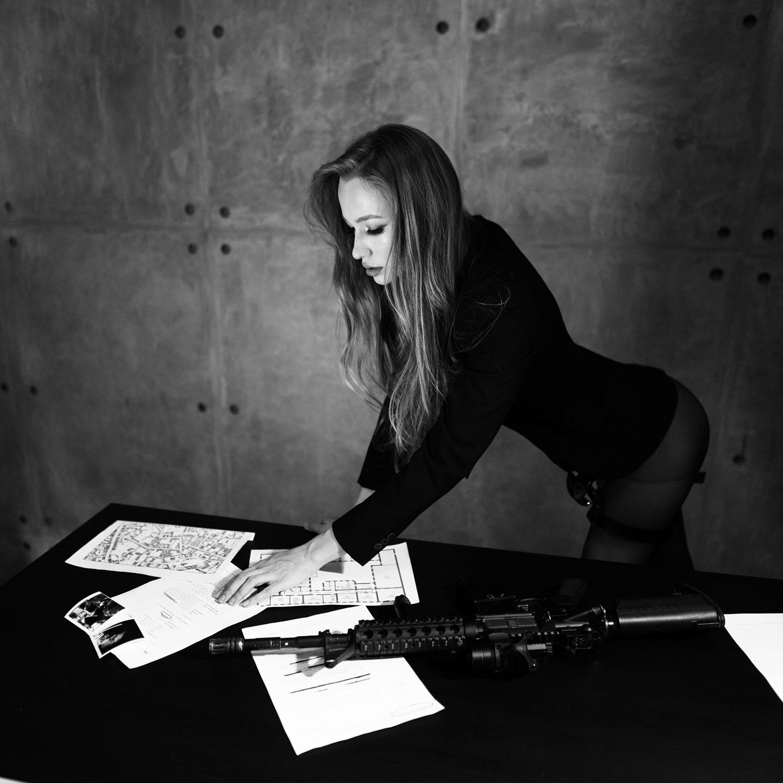 Сексуальный секретный агент во вражеском штабе / фото 12