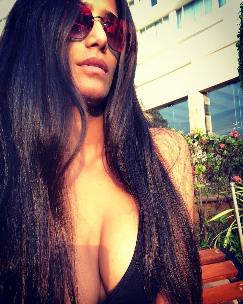 Poonam pandey hot nude boobs-2785
