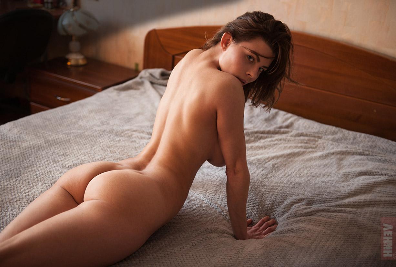 Сексапильная Люда -Лилит Вебер- в фотопроекте Бесс.порно / фото 02